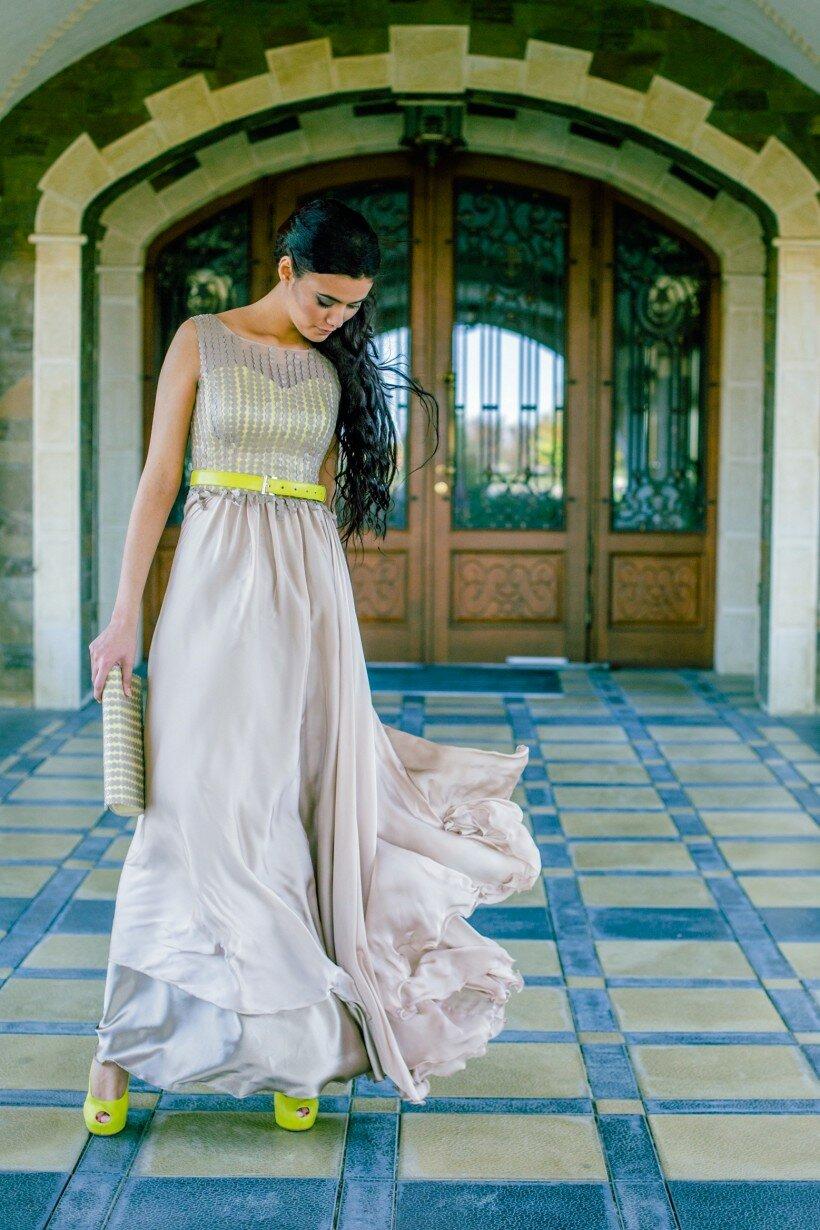 Елегантна вечірня сукня