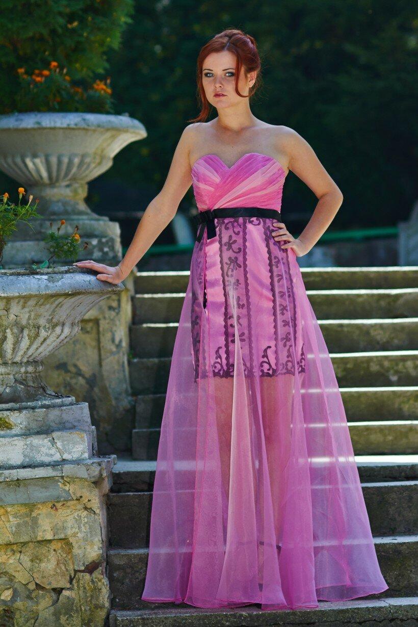 Смілива та оригінальна вечірня сукня